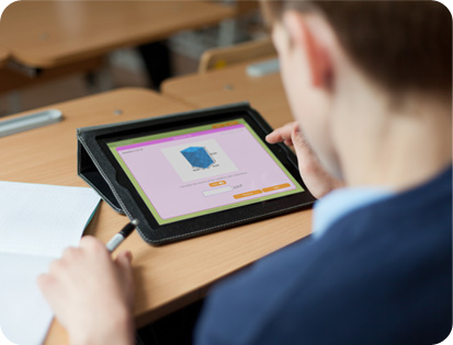 Formative assessment with pupil using tablet for maths questions